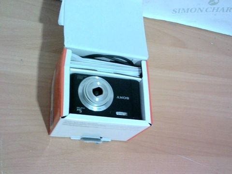 Lot 4503 SONY DSC-W800 DIGITAL COMPACT CAMERA
