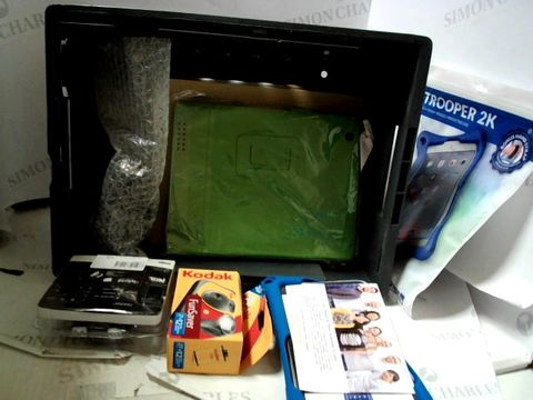 Lot 8139 LOTOF APPROXIMATELY 12 ASSORTED ITEMS TO INCLUDE; TABLET CASES, DISPOSABLE CAMERA ETC