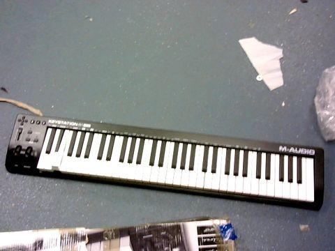 Lot 311 M-AUDIO KEYSTATION 61 MK3 - 61-KEY USB MIDI KEYBOARD CONTROLLER