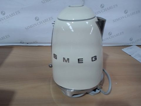 Lot 1027 SMEG KETTLE - CREAM  RRP £169.99