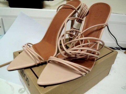Lot 4750 BOXED PAIR OF DESIGNER ASOS NADINE TIE LEG HIGH HEELED SANDALS BEIGE SIZE Uk 7