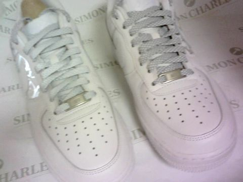 Lot 1041 AIR FORCE 1 WHITE SIZE 6½
