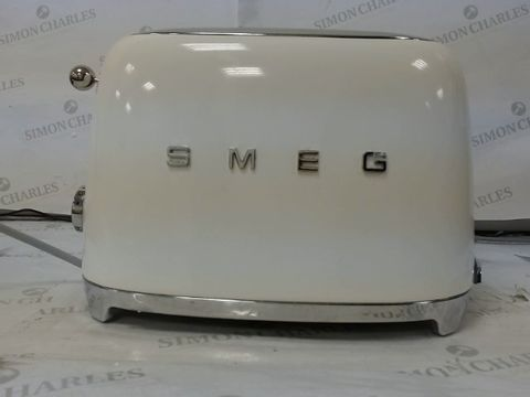 Lot 600 SMEG WHITE 50S 4 BY 4 SLICE TOASTER RRP £235.00