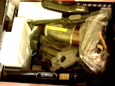 Lot 12084 SHARK CORDLESS VACUUM CLEANER