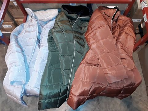 Lot 1212 LOT OF APPROXIMATELY 10 ASSORTED COATS