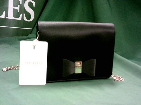 Lot 320 TED BAKER LOOPED BOW SMALL CHAIN BAG BLACK