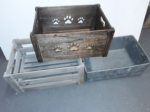 Lot 1192 LOT OF 3 ASSORTED STORAGE CRATES
