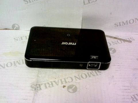 Lot 613 MIROIR - MINI PROJECTOR HD PRO