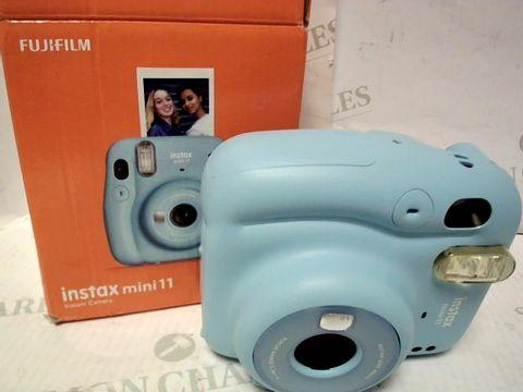 Lot 9513 FUJIFILM INSTAX MINI 11 INSTANT CAMERA RRP £90.00