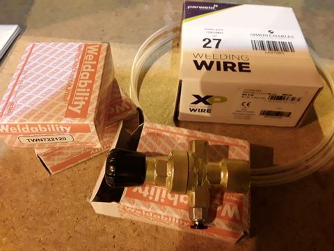 Lot 27 FIVE WELDING ITEMS, ROLL OF WELDING WIRE (SEALED), 3 × WELDABILITY GAS REGULATORS & ROLL GAS TUBE