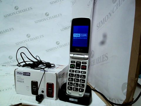 Lot 12061 MAXCOM BIG BUTTON CLAMSHELL 2G MOBILE PHONE - RED