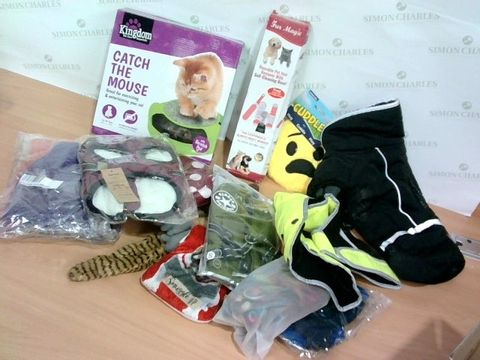 Lot 1391 LOT OF APPROXIMATELY 15 ASSORTED PET SUPPLIES ITEMS - TO INCLUDE DOG JACKETS, CAT GAME, PET HAIR REMOVER ETC.