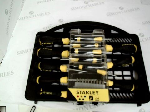 Lot 12041 STANLEY SCREWDRIVER SET STHT0-62143