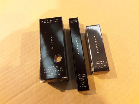 Lot 13645 BOX OF 101 BRAND NEW COSMETICS TO INCLUDE: LATTE LONGWEAR LIQUID FOUNDATION, FEATHER ULTRA-MATTE LUP CRAYON, KINDERED BLUSH LIPSTICK