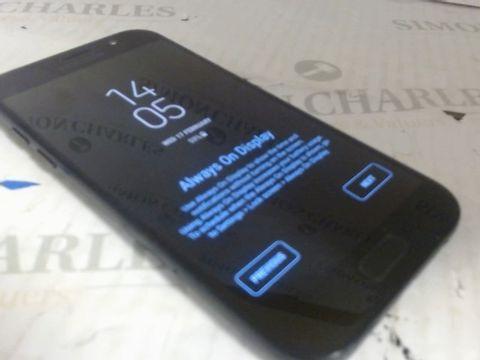 Lot 7581 SAMSUNG GALAXY A5 MOBILE PHONE BLACK