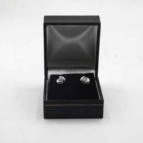 Lot 4 DESIGNER 18ct WHITE GOLD DIAMOND SET STUD EARRINGS
