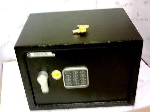 Lot 19 YALE ELECTRONIC SAFE MEDIUM
