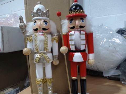 Lot 674 SET OF TWO XMAS FIGURES RRP £32.99
