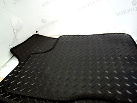 Lot 10031 SET OF CAR MATS - BLACK