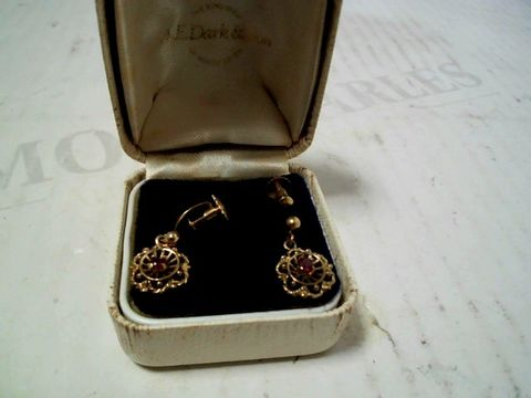 Lot 3182 VINTAGE GOLD TONE EARRINGS WITH PINK STONE