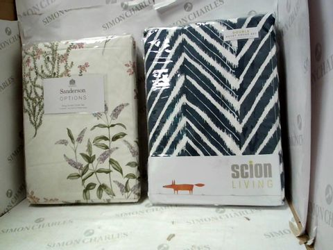 Lot 10356 SANDERSON OPTIONS FLOWER PATTERN KING SIZED DUVET COVER SET AND SCION LIVING BLUE/WHITE CHEVRON DOUBLE SIZED DUVET COVER SET