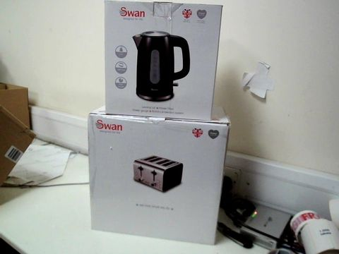 Lot 325 SWAN KETTLE AND 4 SLICE TOASTER PACK RRP £69.99