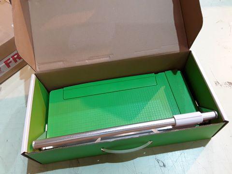 Lot 70 BOXED CUTTERPILLAR CROP PAPER TRIMMER