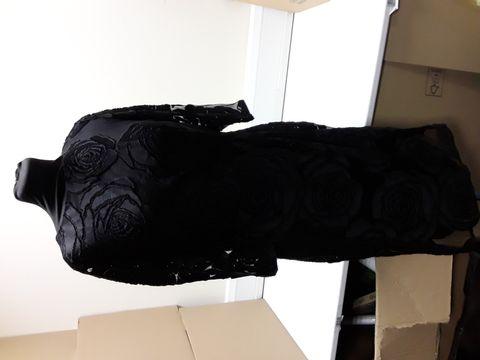 Lot 2062 DESIGNER PHASE EIGHT TRINA BLACK ROSE DRESS SIZE UK 14