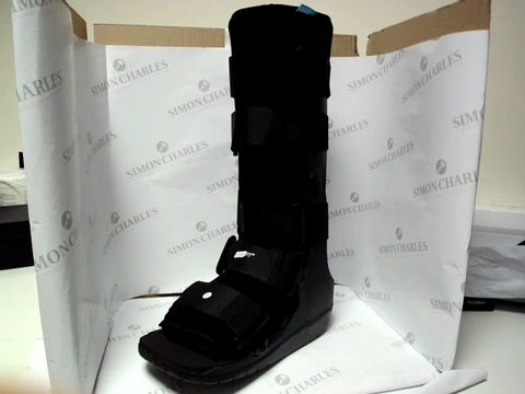 Lot 17352 OSSUR FORMFIT BOOT SIZE LARGE