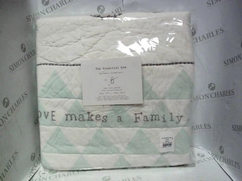 Lot 1050 THE ESSENTIAL ONE COT BED COVERLET