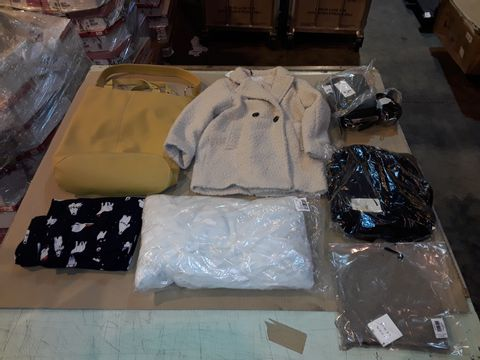 Lot 4059 CAGE OF ASSORTED UNPROCESSED ADULT CLOTHING PRODUCTS