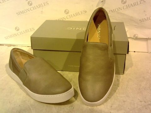 Lot 15951 BOXED PAIR OF VIONIC FAUX LEATHER SLIP ON SHOES SIZE 6.5