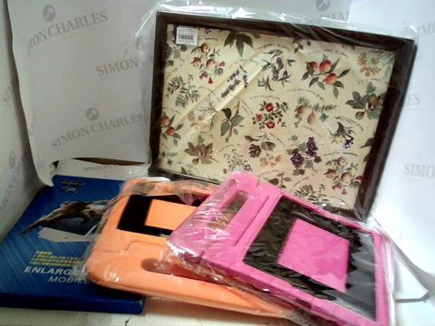 Lot 7028 LOT OF ASSORTED ITEMS TO INCLUDE; TABLET CASES, TRAY, HEART CANVAS ETC
