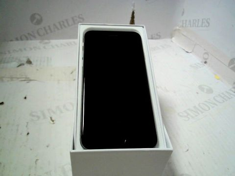 Lot 387 BOXED APPLE IPHONE 6 (A1586) SMARTPHONE - CAPACITY UNKNOWN
