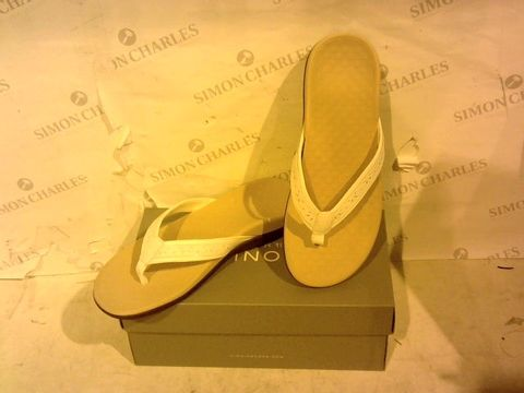 Lot 1556 BOXED PAIR OF VIONIC - UK SIZE 7