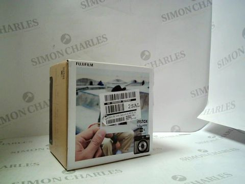 Lot 605 BOXED INSTAX SQUARE SQ6 INSTANT CAMERA  RRP £164.99