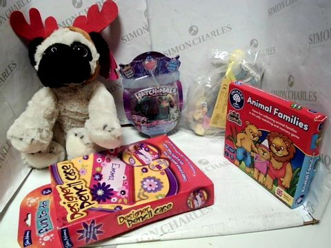 Lot 4450 LOT OF A LARGE QUANTITY OF ASSORTED TOYS AND GAMES, TO INCLUDE DESIGNER PENCIL CASE SET, HATCHIMALS COLLEGTIBLES 2 PACK, BEAR HUNT WOODEN CHARACTERS, ETC