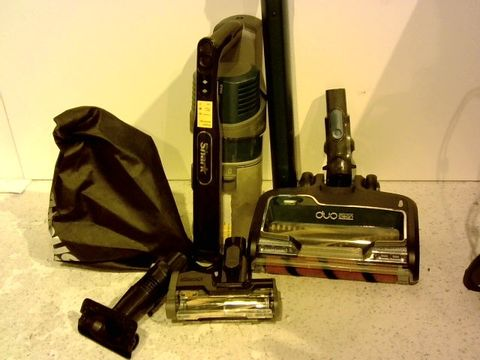 Lot 15339 SHARK CORDLESS VACUUM CLEANER