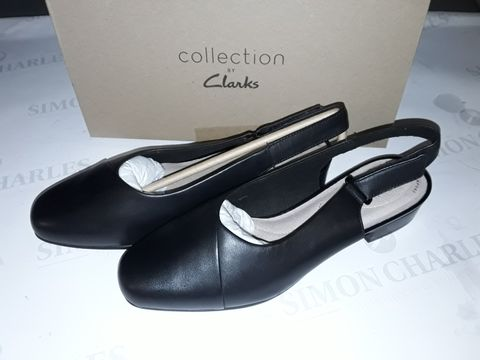 Lot 8058 BOXED PAIR OF  CLARK'S JULIET PULL SHOES IN BLACK LEATHER - UK 7