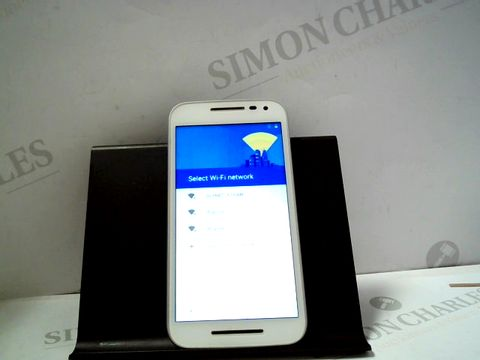 Lot 1080 MOTOROLA ANDROID SMARTPHONE