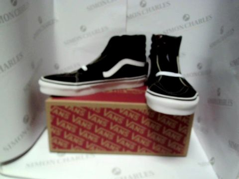 Lot 13072 BOXED PAIR OF DESIGNER VANS OFF THE WALL - UK SIZE 8