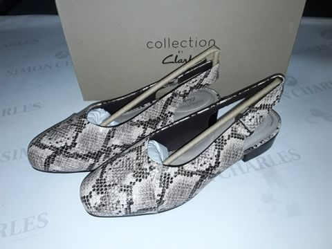 Lot 8062 BOXED PAIR OF CLARK'S JULIET PULL SHOES IN TAUPE SNAKE - UK 7