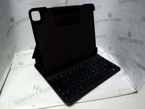 Lot 7071 LOGITECH SLIM FOLIO PRO BACKLIT BLUETOOTH KEYBOARD CASE FOR IPAD PRO 12.9-INCH (3RD AND 4TH GEN)