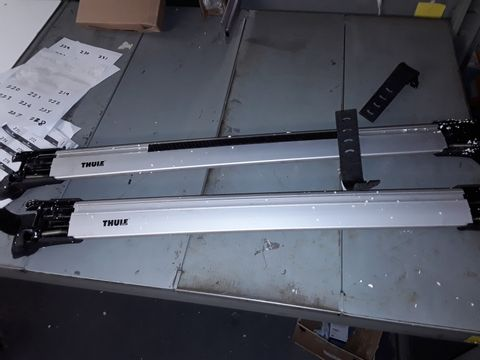 Lot 219 THULE WINGBAR EDGE 958400 ROOF RACK WITH RAILS