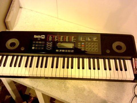Lot 1014 ROCKJAM RJ761-SK KEY ELECTRONIC INTERACTIVE TEACHING PIANO KEYBOARD