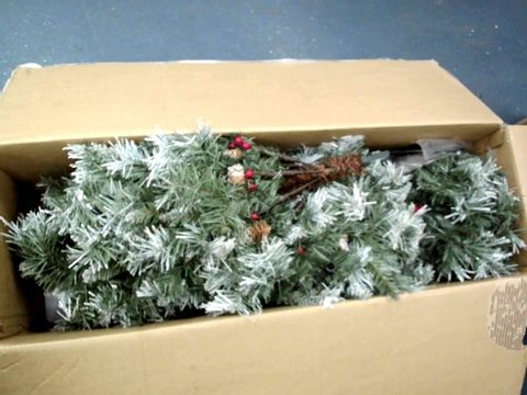 Lot 11004 WERCHRISTMAS PRE-LIT SCANDINAVIAN SPRUCE PINE CONE AND BERRY CHRISTMAS TREE WITH 300 WARM WHITE CANDLE LED LIGHTS, GREEN, 6 FEET/1.8 M