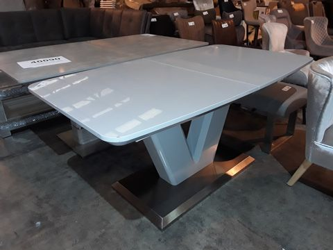 Lot 6 DESIGNER GREY HIGH GLOSS EXTENDING DINING TABLE ON V SUPPORT