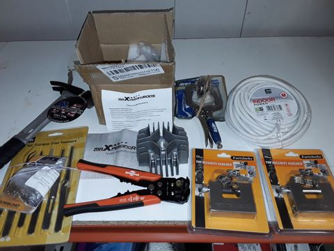 Lot 1233 LOT OF 8 ASSORTED TOOL AND SECURITY ITEMS TO INCLUDE MAXPEEDING RODS PART, SECURITY PADLOCK AND WIRE CUTTERS AND MARTINEZ HAMMER