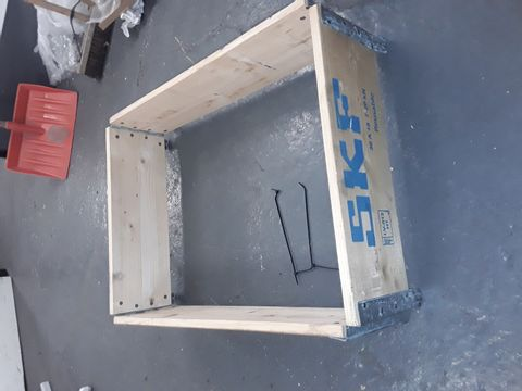 Lot 118 2 X STACKING WOODEN CRATES/BOARDS