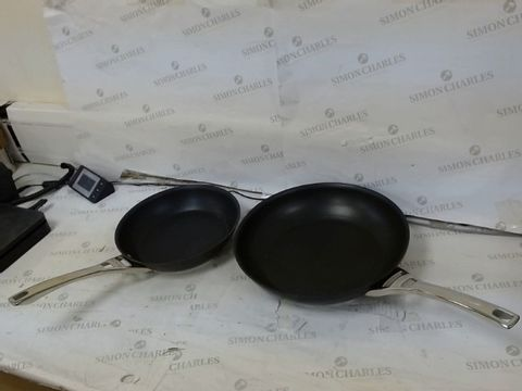Lot 388 CIRCULON INFINITE HARD ANODISED 24/30 CM FRYING PAN SET